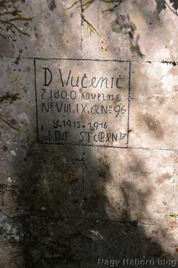 Felirat az egyik kaverna bejáratánál