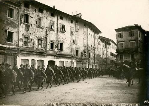 Osztrák–magyar csapatok bevonulása Görzbe