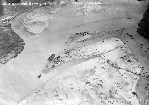 Légifelvétel a Piavén átkelő csapatokról