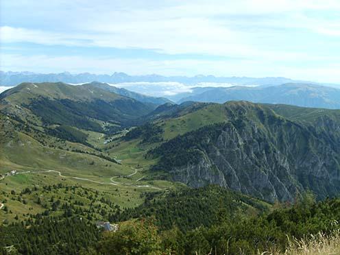 Mai panoráma a Monte Grappa csúcsáról