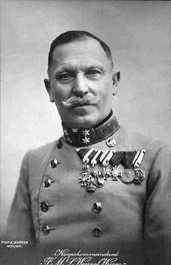 Wenzel von Wurm tábornok, a görzi hídfőt védő XVI. hadtest parancsnoka