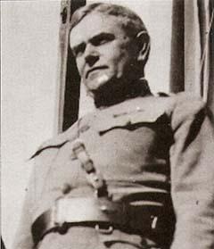 William Wallace ezredes, ezredparancsnok