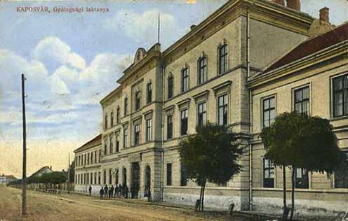 A Baross laktanya egy másik régi képeslapon