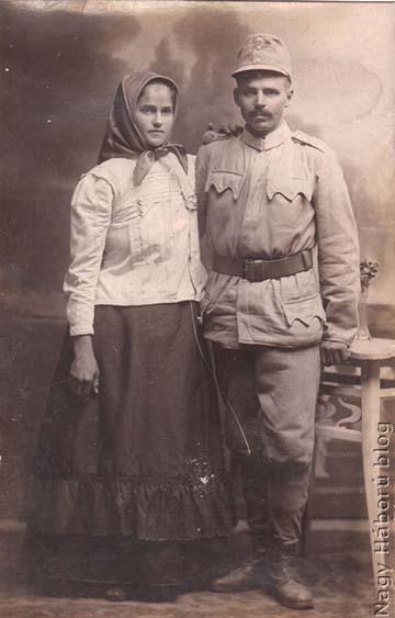 A magyarkanizsai Fejős István feleségével. A cs. és kir. szabadkai 86. gyalogezredhez bevonult gyalogos 1915. szeptember 4-én hunyt el a harctéren szenvedett sebesülés következtében.