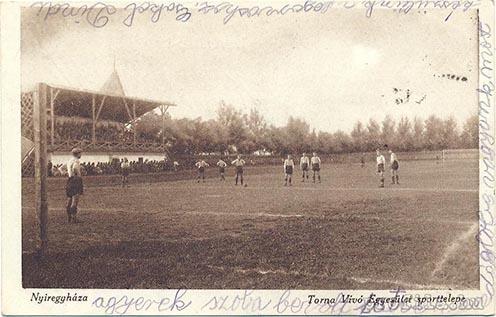 A nyíregyházi futballcsapat a bujtosi futballpályán