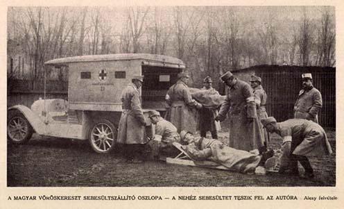 A Magyar Vöröskereszt sebesültszállító oszlopa, valószínűleg gyakorlat közben