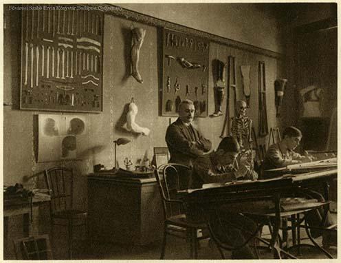 A M. kir. Állami Művégtaggyár tervezési irodája 1924-ben