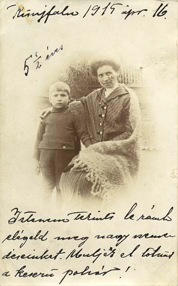 Bagoly Béla, olasz fronton eltűnt kisújfalusi tanító, tartalékos hadnagy özvegye és kisfia, Béla