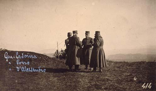 Cadorna, Porro, D'Alessandro tábornokok a medeai dombon kialakított megfigyelő helyen