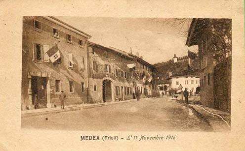 1916 novembere, az olasz trikolórral fellobogózott Medea
