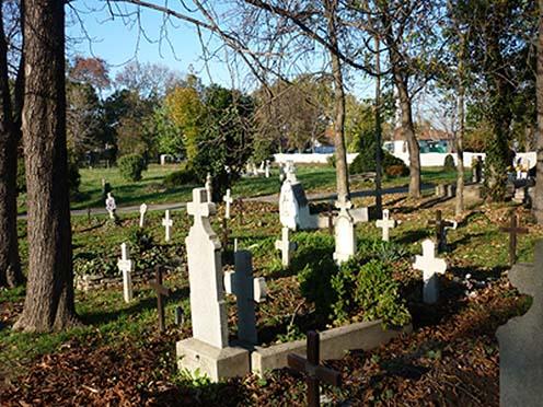 A kiskunhalasi temető első világháborús sírjai napjainkban