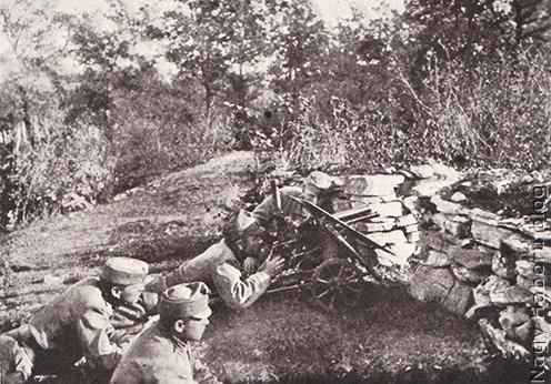 Gyalogsági ágyú kőfal mögött a Doberdón