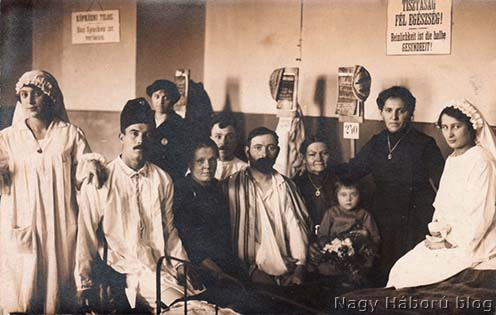 Ápolónők és betegeik egy hadikórházban
