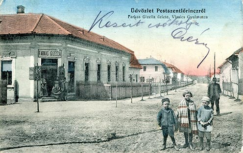 A Wlassics Gyula utca 67. (balra) képeslapon, 1910-es évek