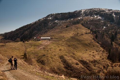 A Mrzli Vrh a Krn faluból vezető útról