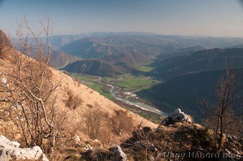 Az Isonzó-folyó a Mrzli Vrh csúcsáról
