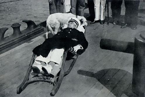 A sebesült Horthy a Novara fedélzetén