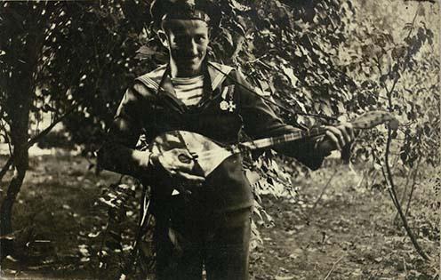 Erdélyi Mihály hangszerével