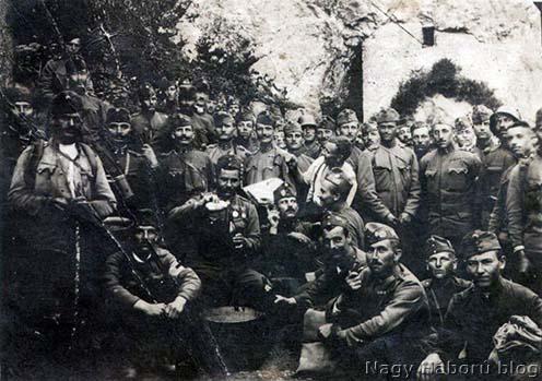 A cs. és kir. 8. huszárezred harcosainak egy csoportja az olasz harctéren 1918-ban