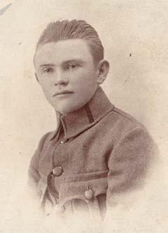 1919-ben vöröskatonaként