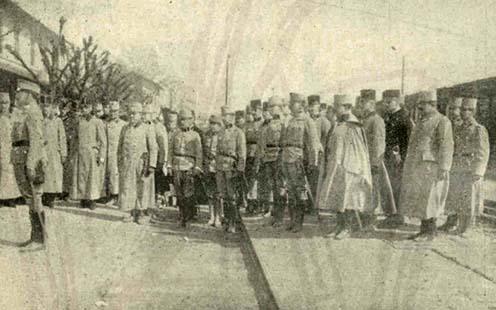 Il corpo ufficiali del 38esimo reggimento di Kecskemét parte per Pétervárad nella primavera del 1914