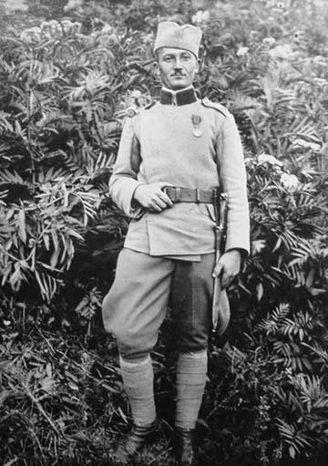 Gavrić 1929-ben a jugoszláv hadsereg egyenruhájában