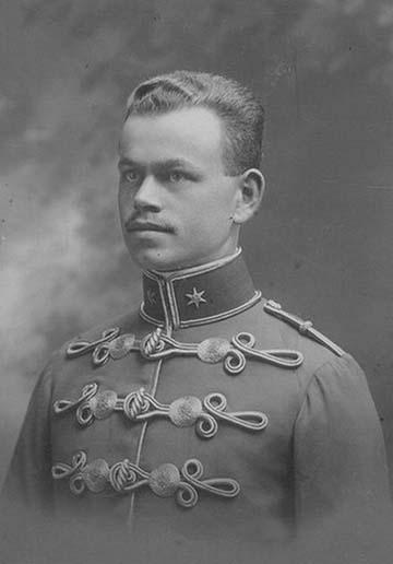 Kövendy Gyula frissen felavatott hadnagy