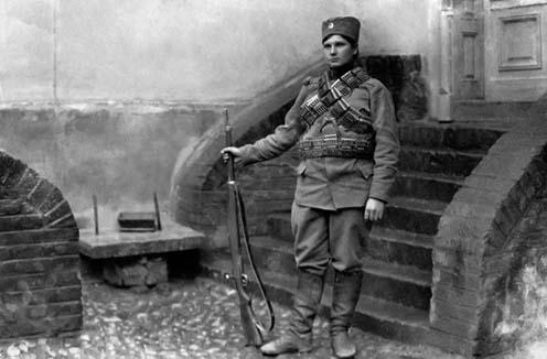 Milunka Savić teljes harci díszben