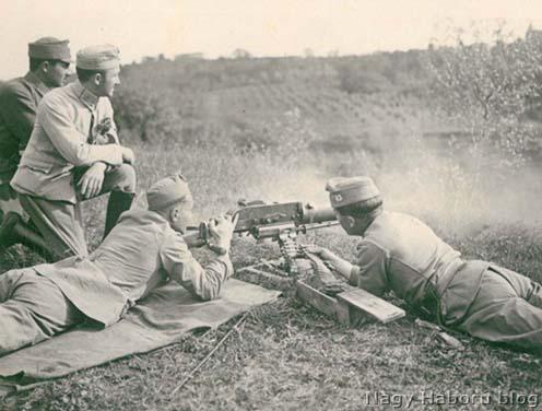 Géppuskás kiképzés