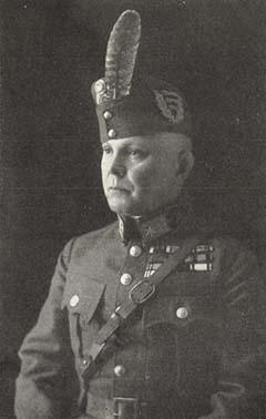 Rubinthy Dezső fényképe a Magyar Katonai Közlöny 1924-es évfolyamának 569. oldalán