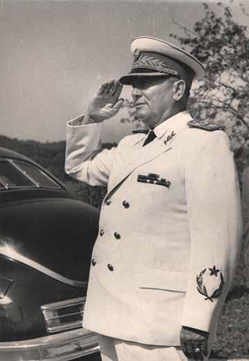 Josip Broz Tito marsallként. A monarchiás krumplivirágtól a jugoszláv marsallbotig vezetett az út...