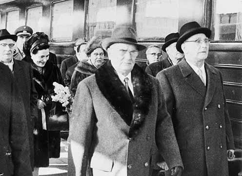 Tito és Franz Jonas osztrák szövetségi elnök a bécsi pályaudvaron 1967 februárjában