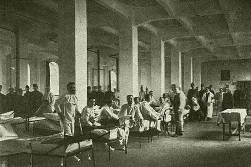Lábadozó katonák egy budapesti kórházban