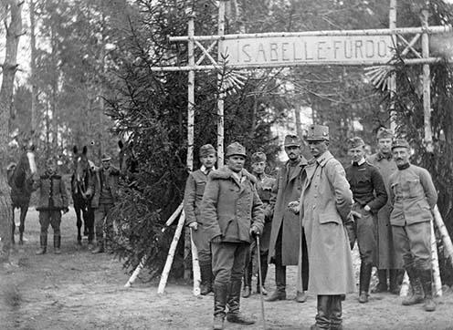 A debreceni 2. honvéd huszárezred pihenőállása Galuziában. Fotó: Fortepan, Jankó Attila