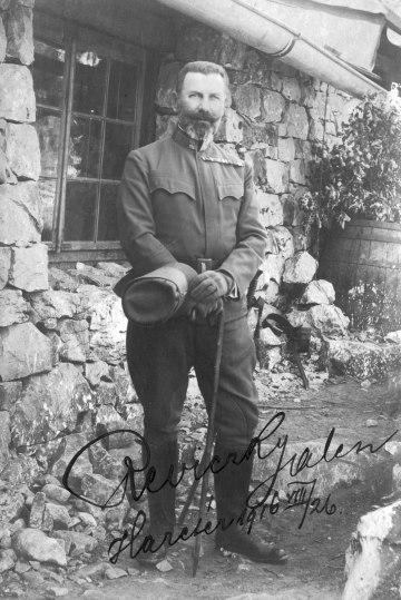 Reviczky László alezredes