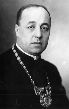 Dr. Stachó Tibor, a M. kir. József nádor Műszaki és Gazdaságtudományi Egyetem Mérnöki és Építészmérnöki Kar dékánjaként 1939-ben