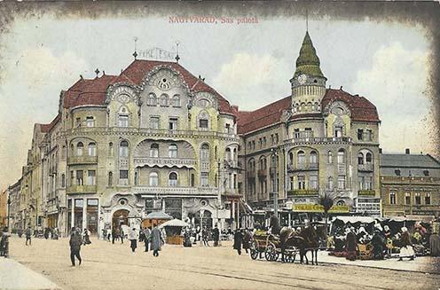 A Komor Marcell tervezte Fekete Sas szállóban és a mellette lévő passzázs szórakozóhelyein mulatott a városi elit – majd az épület létrejötte után pár évvel kitört világháború idején a katonatisztek is