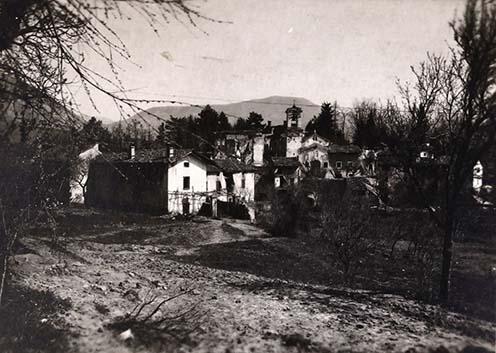 Peuma falucska. Görz elővárosa