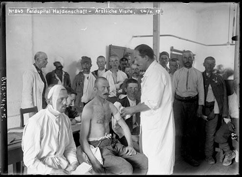 Vizsgálat a hadienschafti hadikórházban 1917 augusztusában