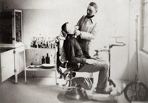 A kismartoni Császári és Királyi Katonai Főreáliskola fogászata 1912-ben