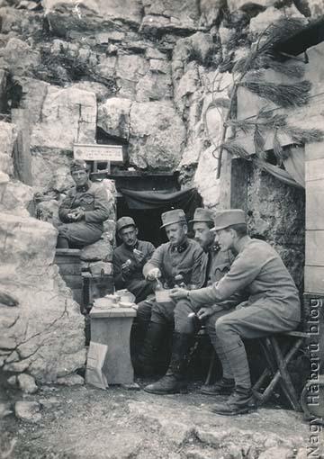 Étkezés az olasz fronton egy segélyhelyen