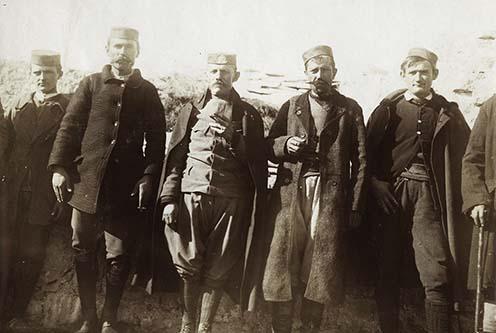 Montenegrói hadifogoly tisztek