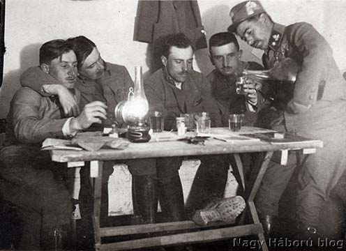 Italozó osztrák–magyar tisztek