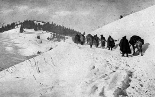 Visszavonuló szerb csapatok