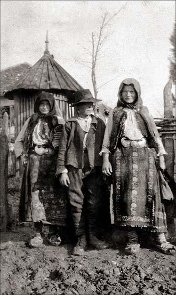 Fiatal szerb parasztok