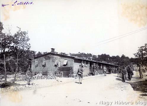 A kávéház épülete a segeti táborban