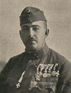 Heim Géza századparancsnok a később készült fotón már századosként