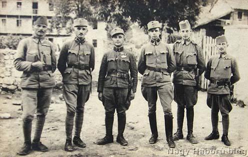 Továbbképzésen lévő osztrák–magyar katonák, közöttük bosnyákok