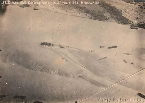 A cs. és kir. szegedi 46-os gyalogezred átkelése a Piavén Minánál 1918. június 15-én 9 órakor készült légifelvételen