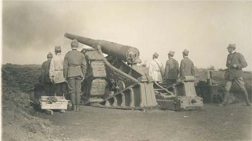Olasz 149 mm-es ágyú és kezelőszemélyzete